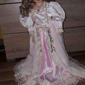 Predám porcelánovú babiku