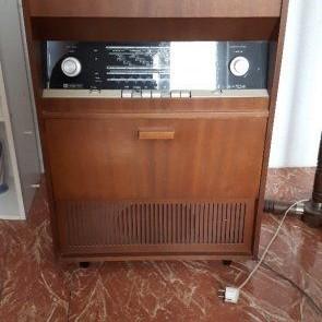 Retro gramofónové rádio