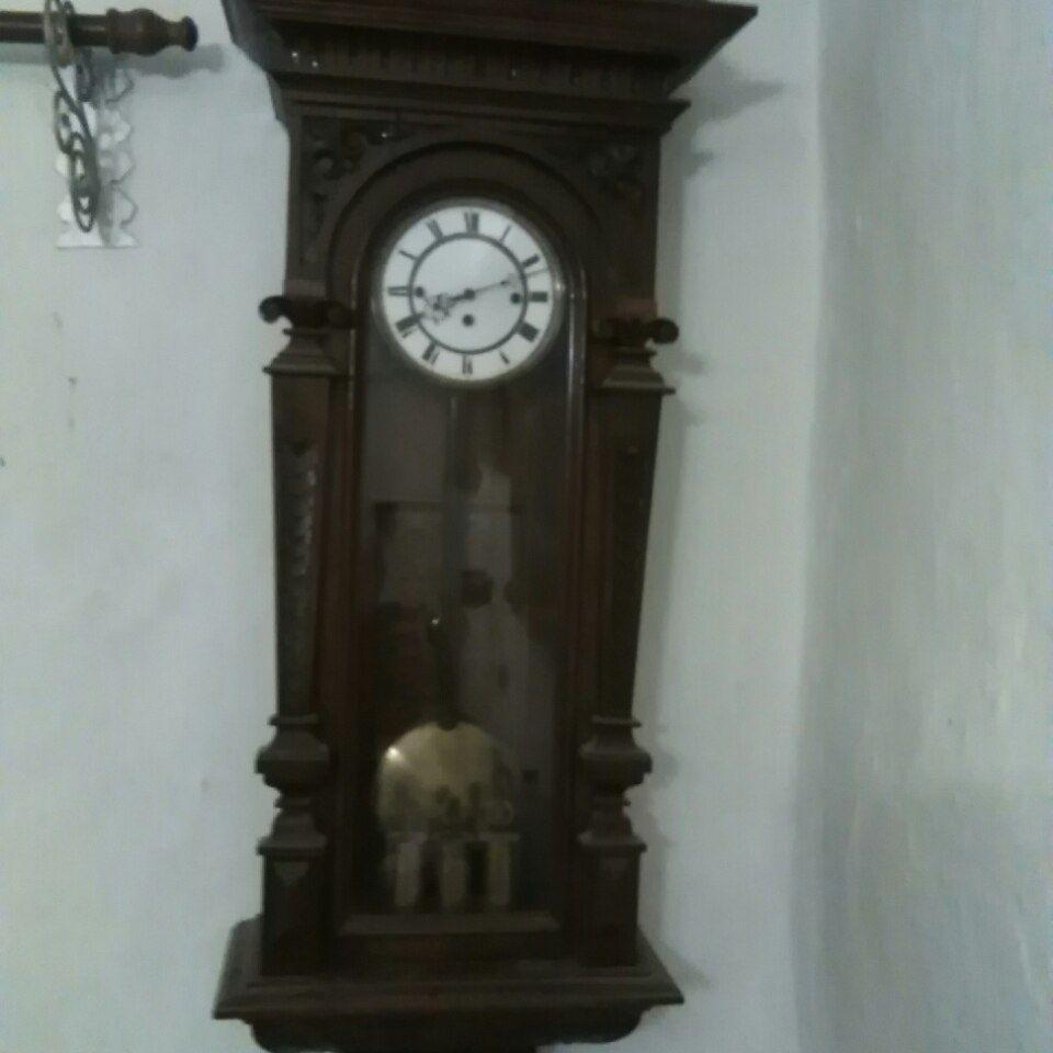 Starozitne nastenne hodiny