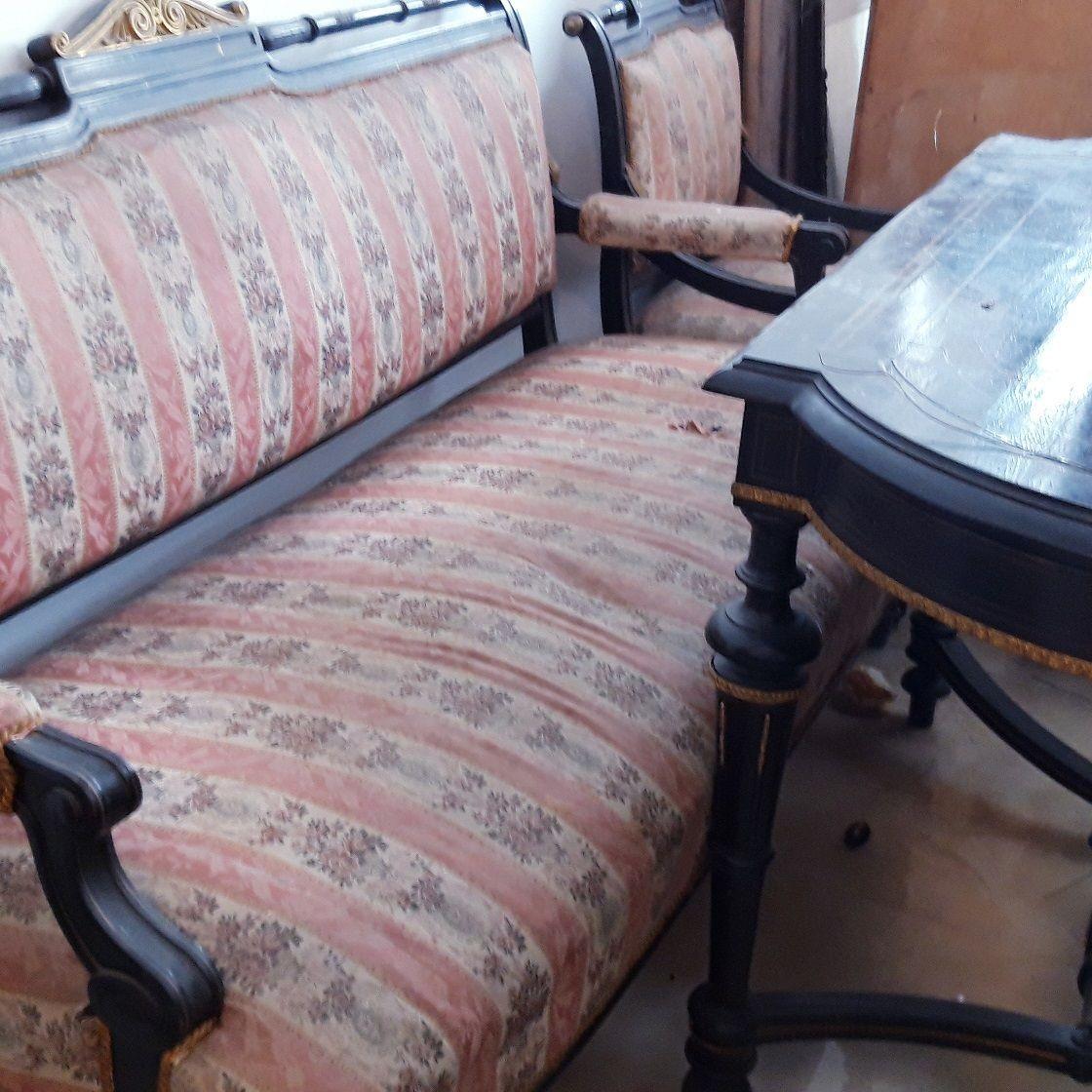 Starožitný jedálenský nábytok z empir obd.