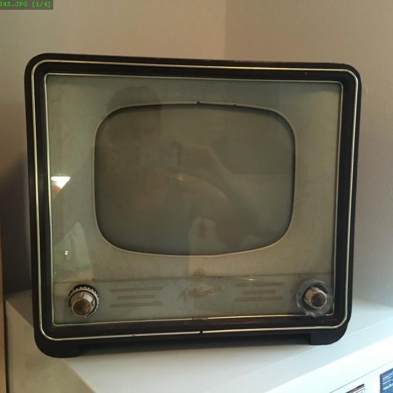 televízor tesla mánes